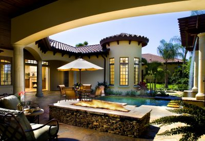custom outdoor pool and porch area built by Cahill Homes, a Central Florida custom home builder