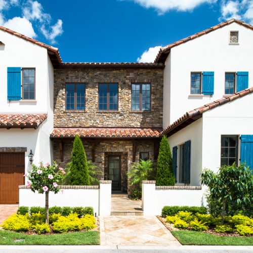 custom home exterior in Orlando built by Cahill Homes, a Central Florida residential builder